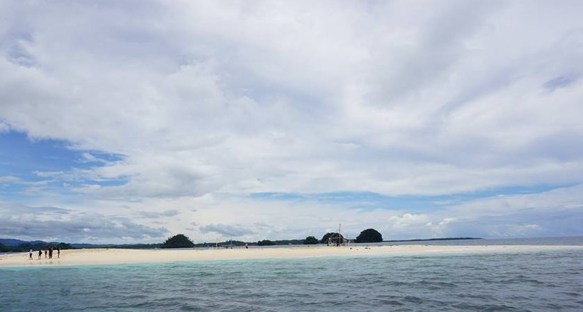 Naked Island in Britana Group of Islands, San Agustin, Surigao del Sur